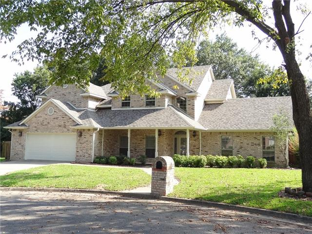 820 Cedar Creek Cir, Bonham, TX 75418