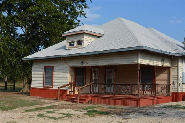 Photo of 215 County Road 4737  Cumby  TX