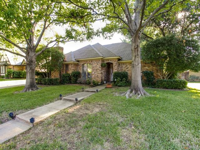 Photo of 2715 Wooded Acres Drive  Arlington  TX