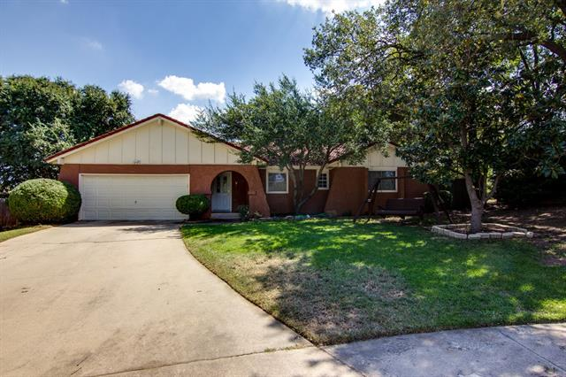 Photo of 916 Brestol Court E  Bedford  TX