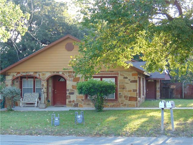 301 S Weatherford St, Chico, TX 76431