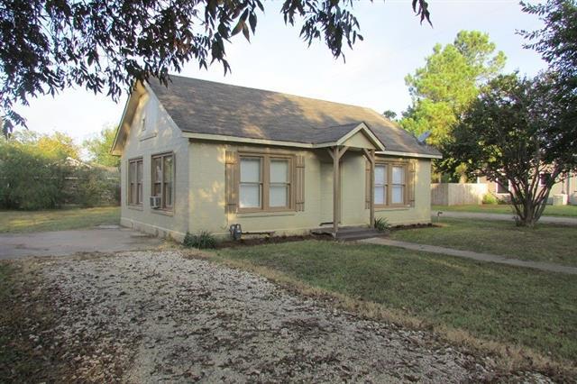 Photo of 1502 Stanwood Avenue  Cleburne  TX