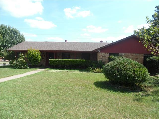 Photo of 2901 Cortez Drive  Fort Worth  TX