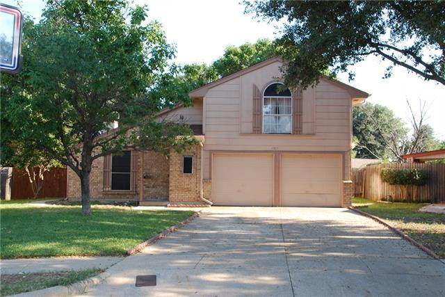 Photo of 7109 Laurelhill Court N  Fort Worth  TX