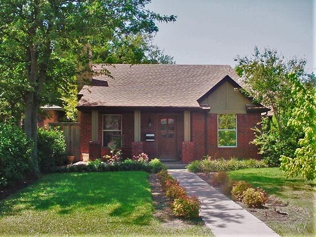 Photo of 831 N Edgefield Avenue  Dallas  TX