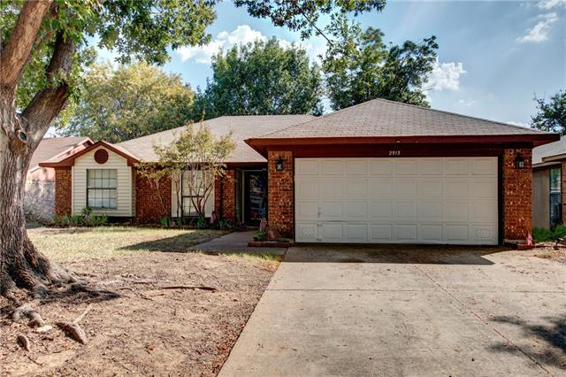 Photo of 2913 Creekwood Lane  Fort Worth  TX