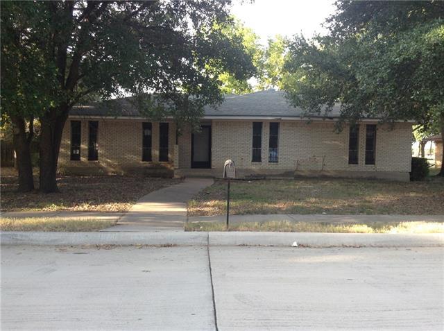 Photo of 2137 Huntington Drive  Grand Prairie  TX