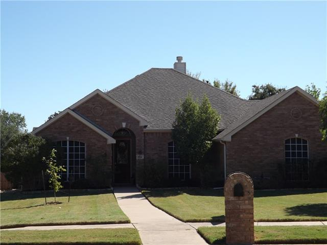 Photo of 804 Whitley Court  Kennedale  TX