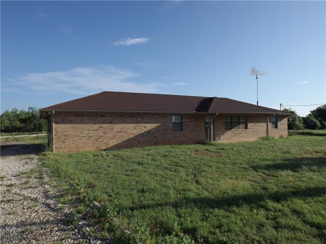 Photo of 898 County Road 2435  Iredell  TX