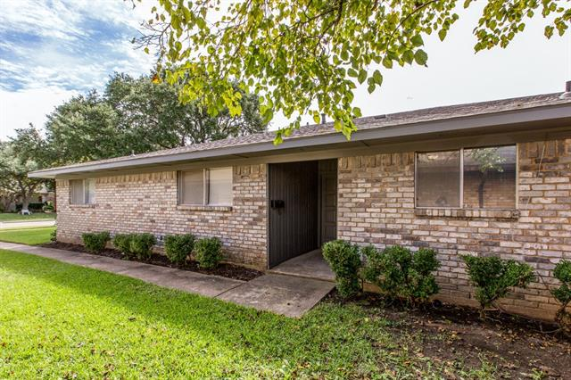 Photo of 328 Towne House Lane  Richardson  TX