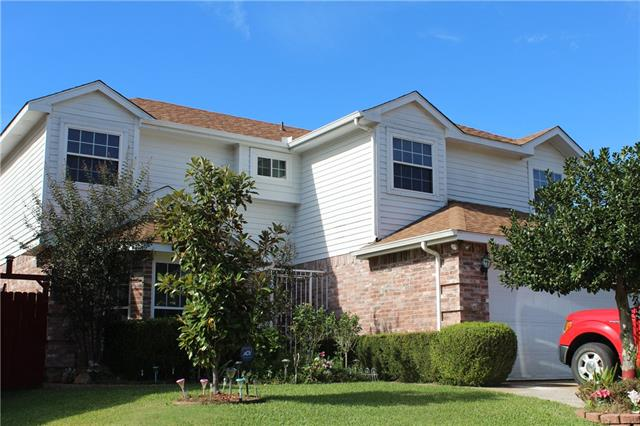 Photo of 2729 Forest Creek Drive  Fort Worth  TX