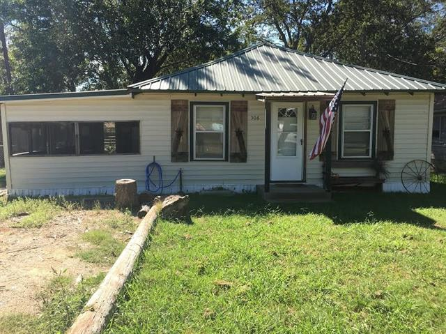 Photo of 506 S Main Street  Kemp  TX