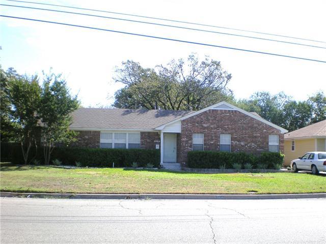 1304 Fair Ave, Gainesville, TX 76240