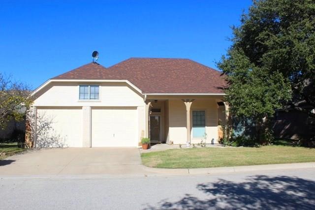 Photo of 610 Elizabeth Place  Weatherford  TX