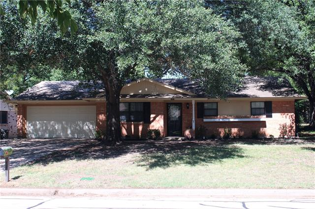 Photo of 1313 Kiowa Drive  Arlington  TX