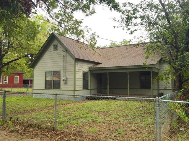 Photo of 750 N Anglin Street  Cleburne  TX