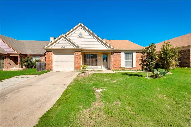 Photo of 3817 River Birch Road  Fort Worth  TX