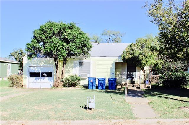 Photo of 402 S Pecan Street  Breckenridge  TX