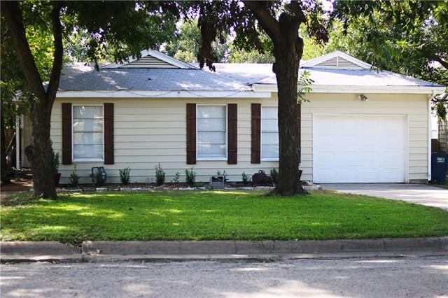 Photo of 7425 Pensacola Avenue  Fort Worth  TX