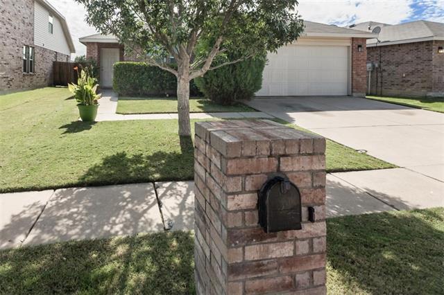 1716 Sierra Meadow Ln, Justin, TX 76247