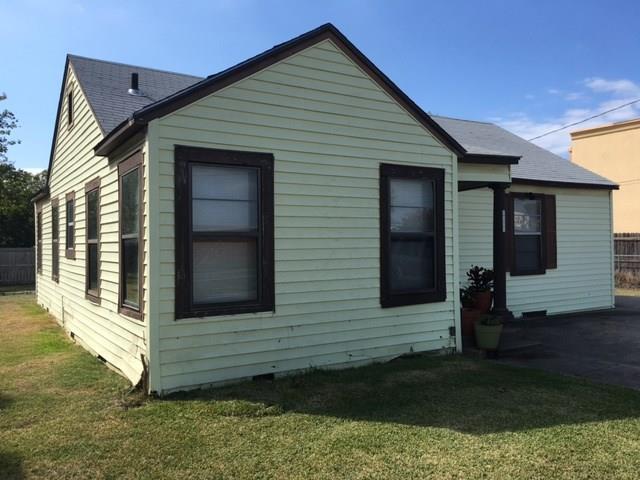 1606 N Travis St, Sherman, TX 75092