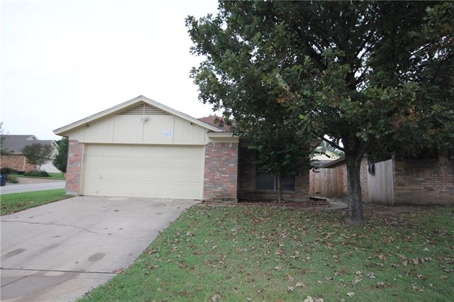 Photo of 10714 Lone Pine Lane  Fort Worth  TX