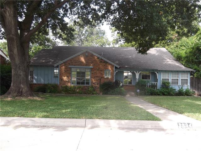 3964 W Spurgeon St, Fort Worth, TX 76133