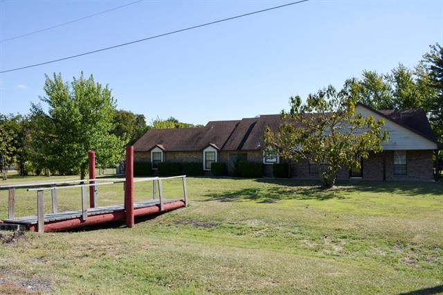 Photo of 227 Jeffrey Road  Palmer  TX
