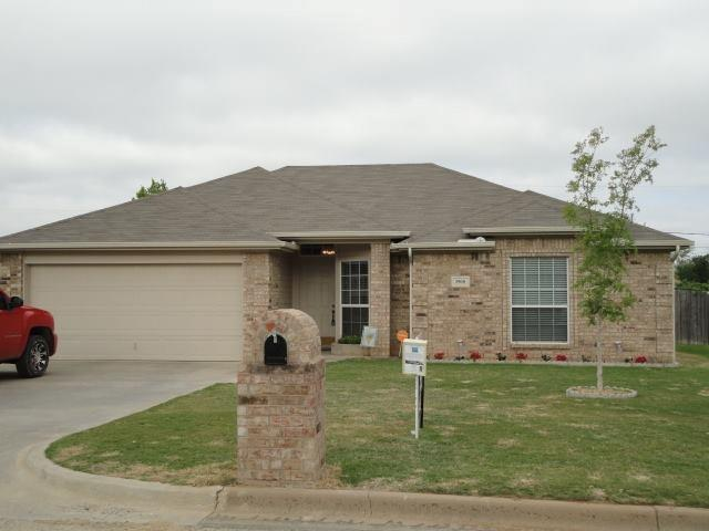 1908 Medora St, Graham, TX 76450