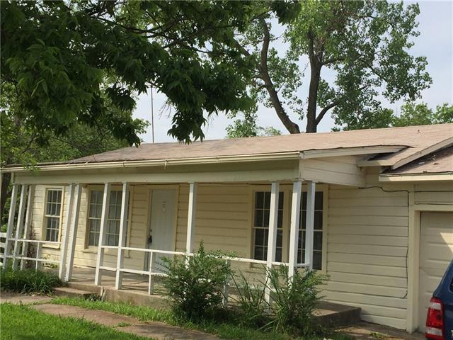 204 Stallings St, Terrell, TX 75160