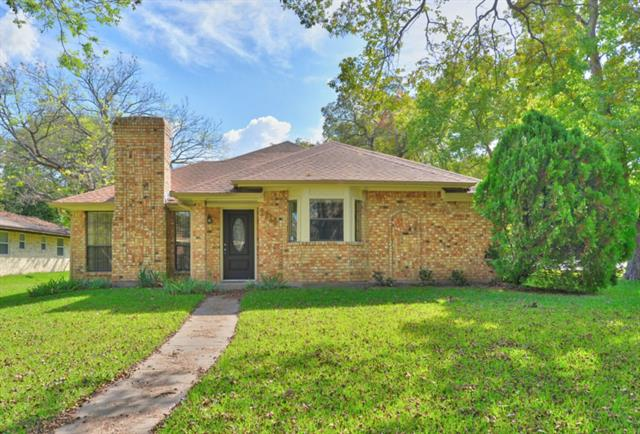 Photo of 1628 Enchanted Lane  Lancaster  TX