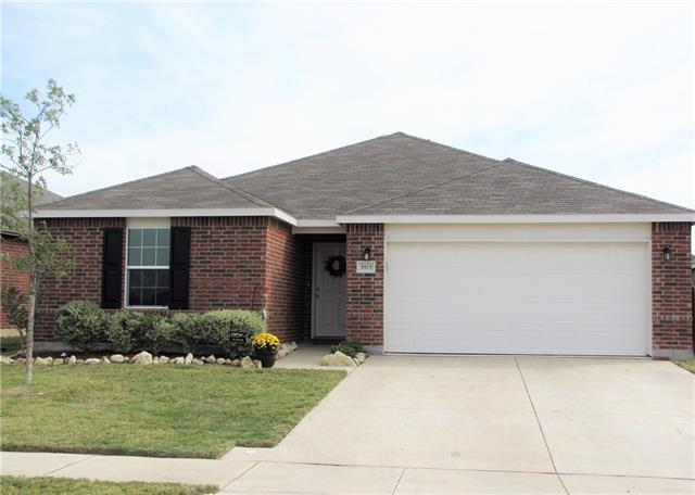 Photo of 5925 Mountain Bluff Drive  Fort Worth  TX