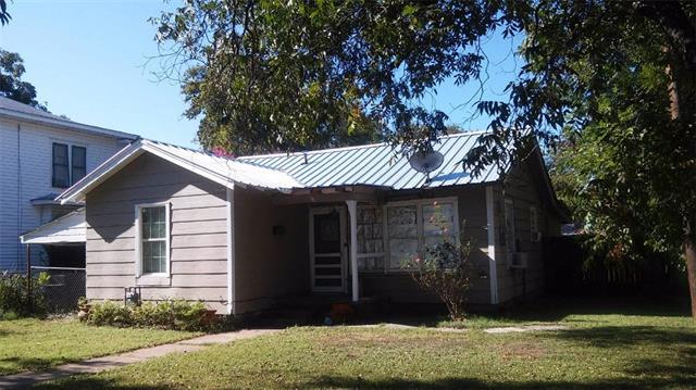 Photo of 311 Wesley Street  Brownwood  TX