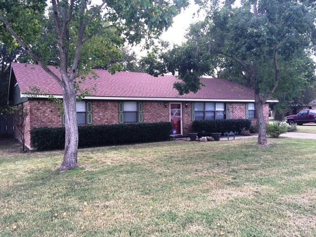 Photo of 802 Corsicana Street  Teague  TX