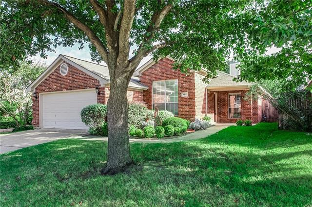 Photo of 6812 Beverly Glen Drive  Fort Worth  TX