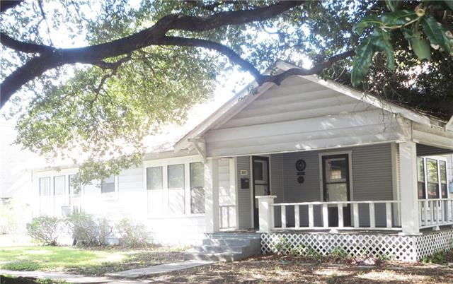 Photo of 207 S Gaines Street  Ennis  TX