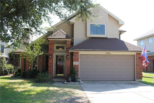 Photo of 1511 Brookwood Drive  Grapevine  TX