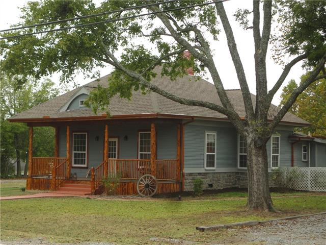 Photo of 714 E Grand Street  Whitewright  TX