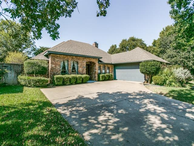 Photo of 1405 Wycliff Street  Grapevine  TX