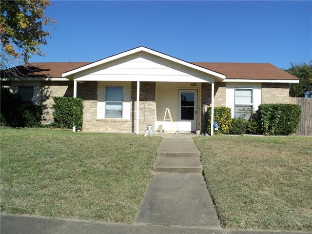 Photo of 1121 Southridge Drive  Lancaster  TX