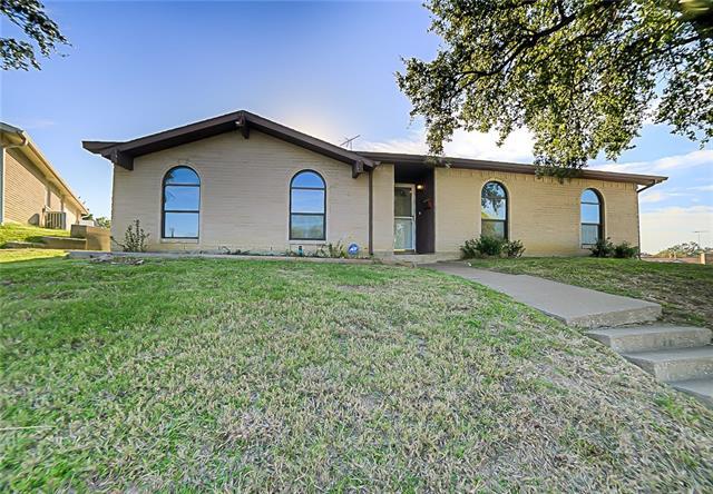 Photo of 1820 Woodbury  Carrollton  TX