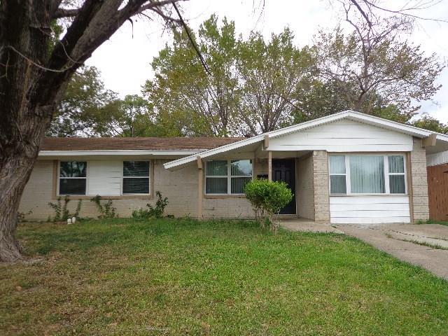 Photo of 3815 Emerald Drive  Mesquite  TX