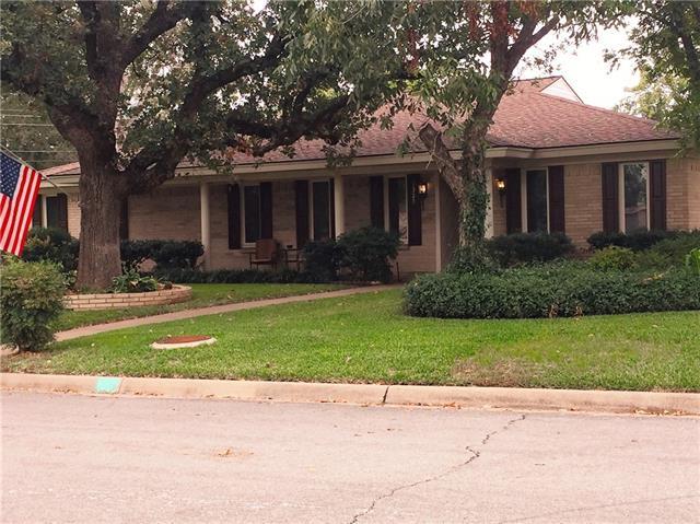 Photo of 1325 Oakwood Drive  Hurst  TX