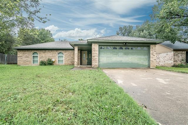 Photo of 1122 S Timberline Drive  Benbrook  TX