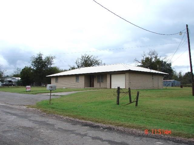 Photo of 312 S Leon Street  Gustine  TX