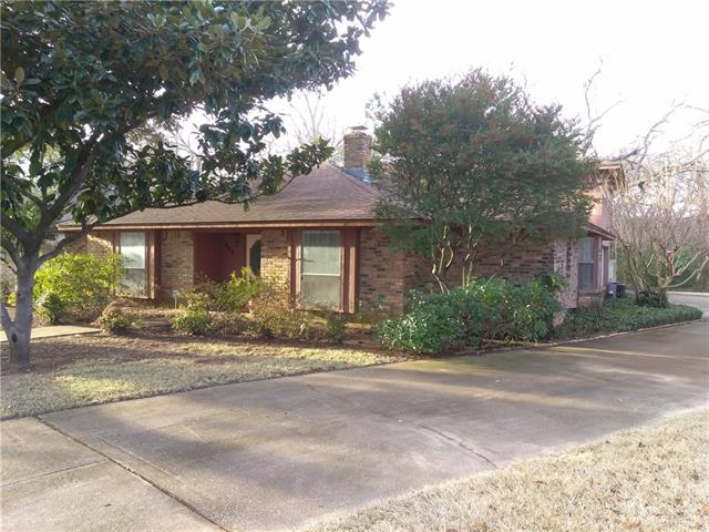 Photo of 402 Rivervalley Court  Arlington  TX