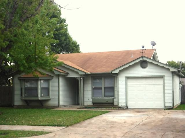 Photo of 1402 Colonnade Drive  Arlington  TX