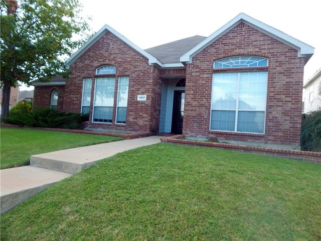 Photo of 4901 Coral Creek Drive  Fort Worth  TX