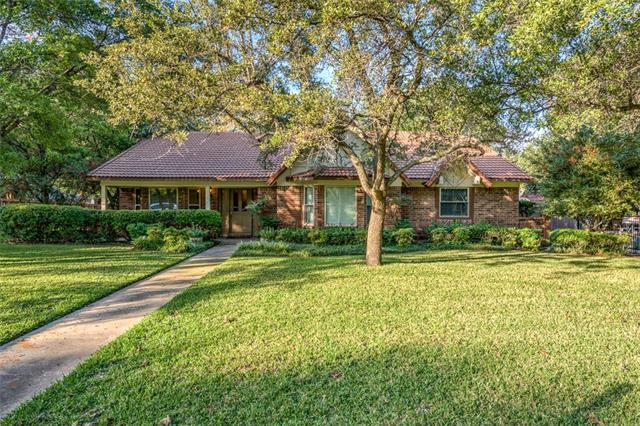 Photo of 212 Greenbriar Lane  Colleyville  TX
