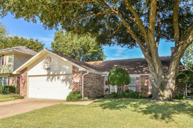 Photo of 6711 Greenspring Drive  Arlington  TX